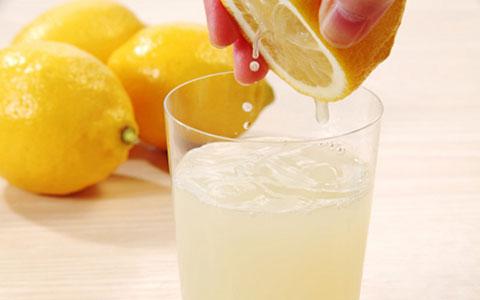 پوست لیمو ١٠ برابر آب لیمو ویتامین دارد