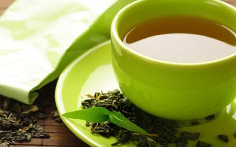 کاهش تاثیر داروهای درمان فشار خون با نوشیدن چای سبز