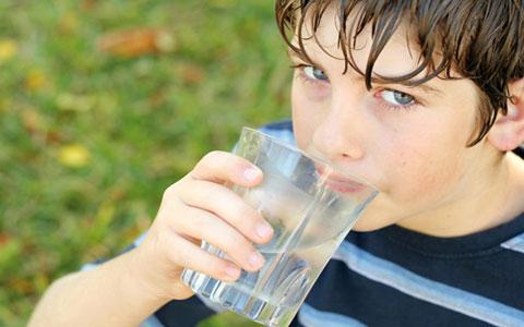آب بنوشید تا دور چشمانتان کبود نشود