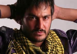 حرکت غیراخلاقی میلاد کیمرام بازیگر جوان سینما هنگام فیلمبرداری!!