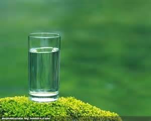به این 7 دلیل روزانه یک لیوان آب جوش بخورید!