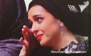 گریه های ترانه علیدوستی هنگام گرفتن جایزه شهاب حسینی
