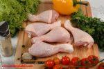 مرغ خام را به هیچ وجه نشویید.