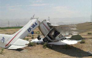 افتادن هواپیما روی سر عابر پیاده در قزوین