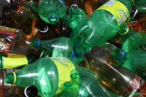 عوارض استفاده از بطری های پلاستیکی