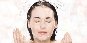 عادات غلط شستن صورت که باعث چروک و خشکی میشود.