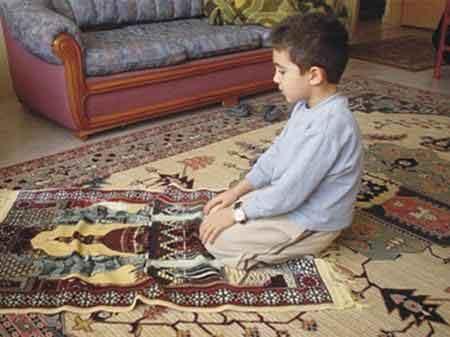 آشنایی کودک با مسائل دینی