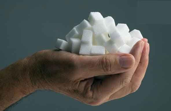 چرا باید از خوردن قند و شکر دوری کرد؟ مضرات قند و شکر