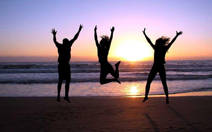چگونه از داشته های خود خشنود باشیم و از هر چه داریم لذت ببریم؟