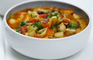 سوپ ایتالیایی از نوع سبزیجات فصلی