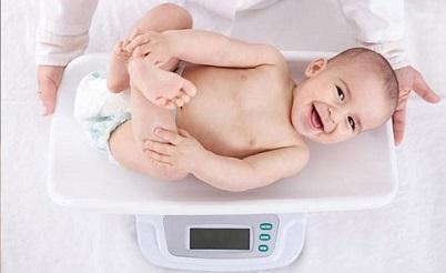 چرا وزن نوزاد من ثابت مانده؟